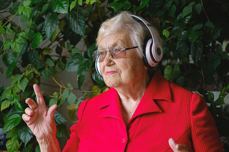 muzykoterapia dla seniora